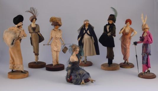8fashion dolls
